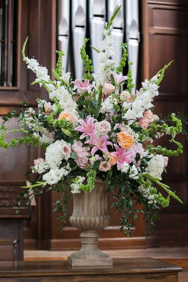 Enchanted florist opulent lush wedding with fête