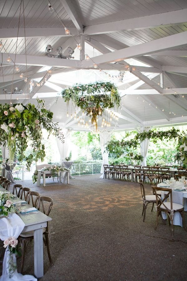 enchanted-florist-organic-luxe-phindy-studios-12_600_900