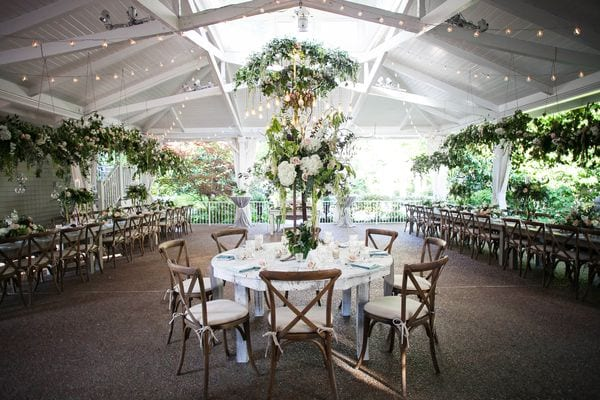 enchanted-florist-organic-luxe-phindy-studios-13_600_400