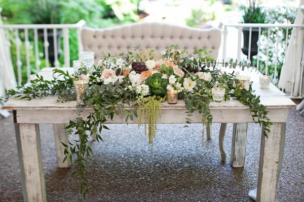 enchanted-florist-organic-luxe-phindy-studios-14_600_400