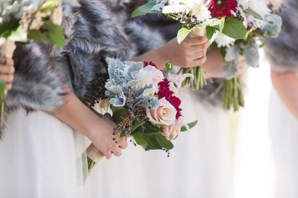enchanted-florist-raelynn-josh-wedding-at-private-tennessee-home-lyndsey-paige-photography-10