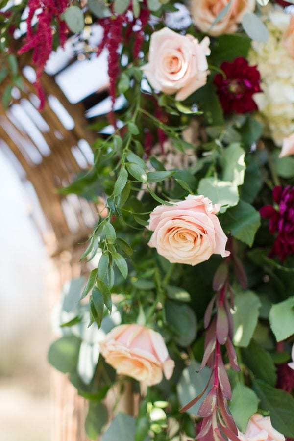enchanted-florist-raelynn-josh-wedding-at-private-tennessee-home-lyndsey-paige-photography-26
