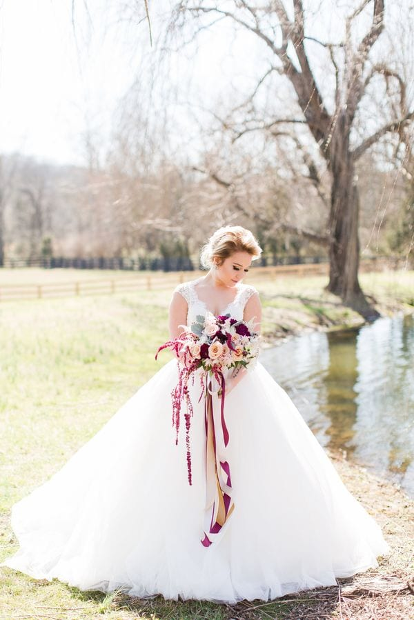 enchanted-florist-raelynn-josh-wedding-at-private-tennessee-home-lyndsey-paige-photography-29