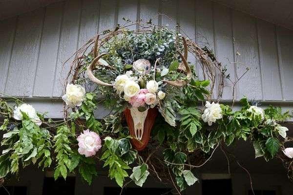 enchanted-florist-rustic-outdoor-wedding-fete-nashville-kristyn-hogan-5