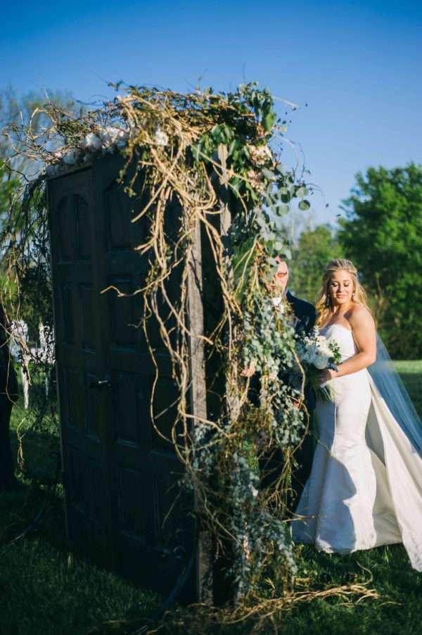 shawn-johnson-wedding-florals-enchanted-florist-tn-outdoor-elegant-flowers-17
