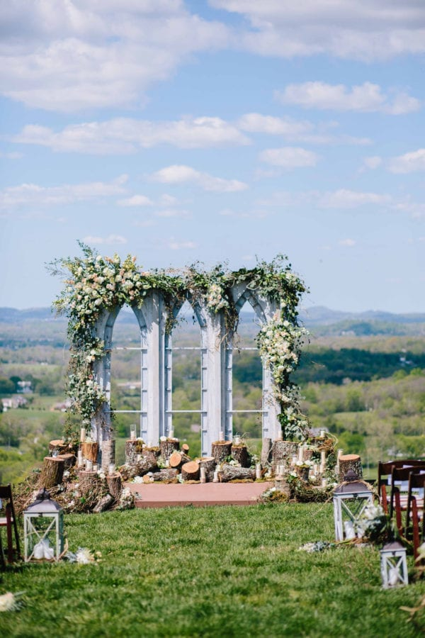 shawn-johnson-wedding-florals-enchanted-florist-tn-outdoor-elegant-flowers-3