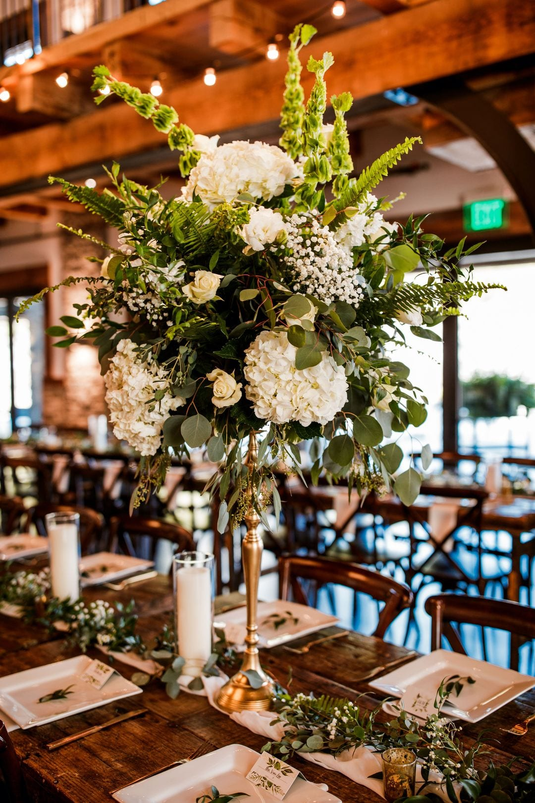 white and green tall wedding flowers