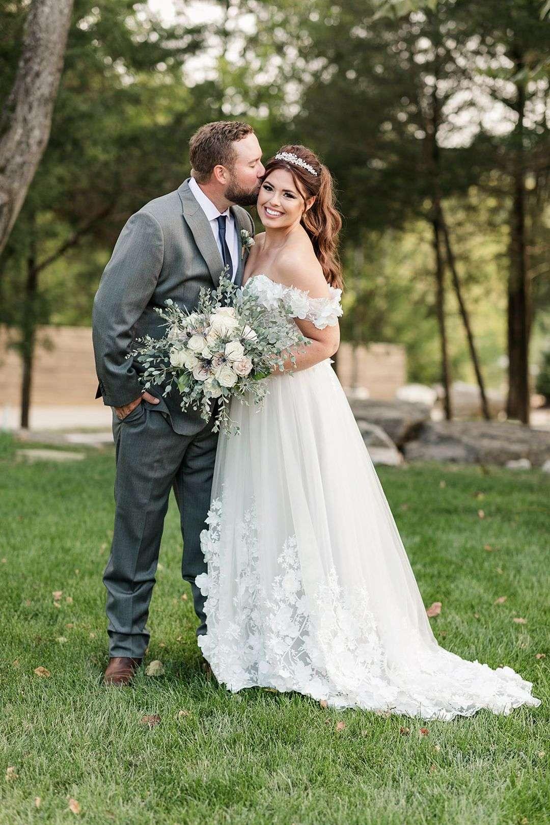 neutral wedding bridal bouquet