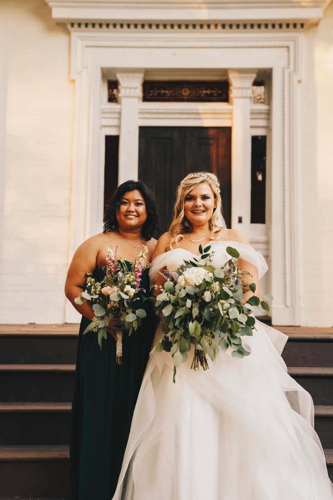 emerald green bridesmaid, white and green bridal bouquets