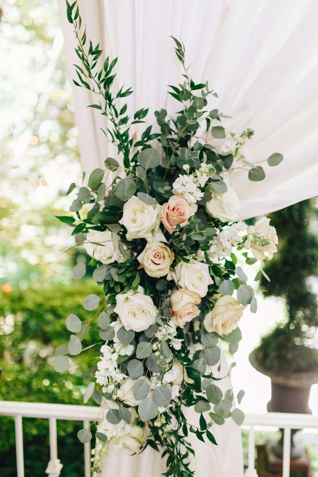 blush and white wedding reception flowers
