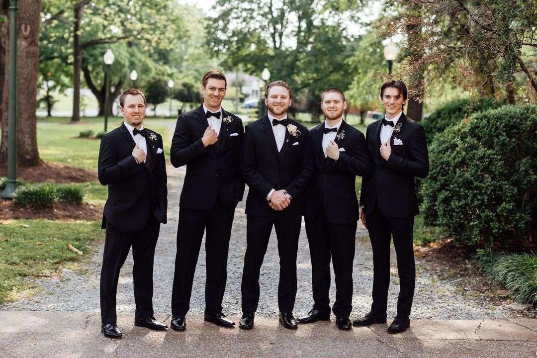 groomsmen rose boutonniere