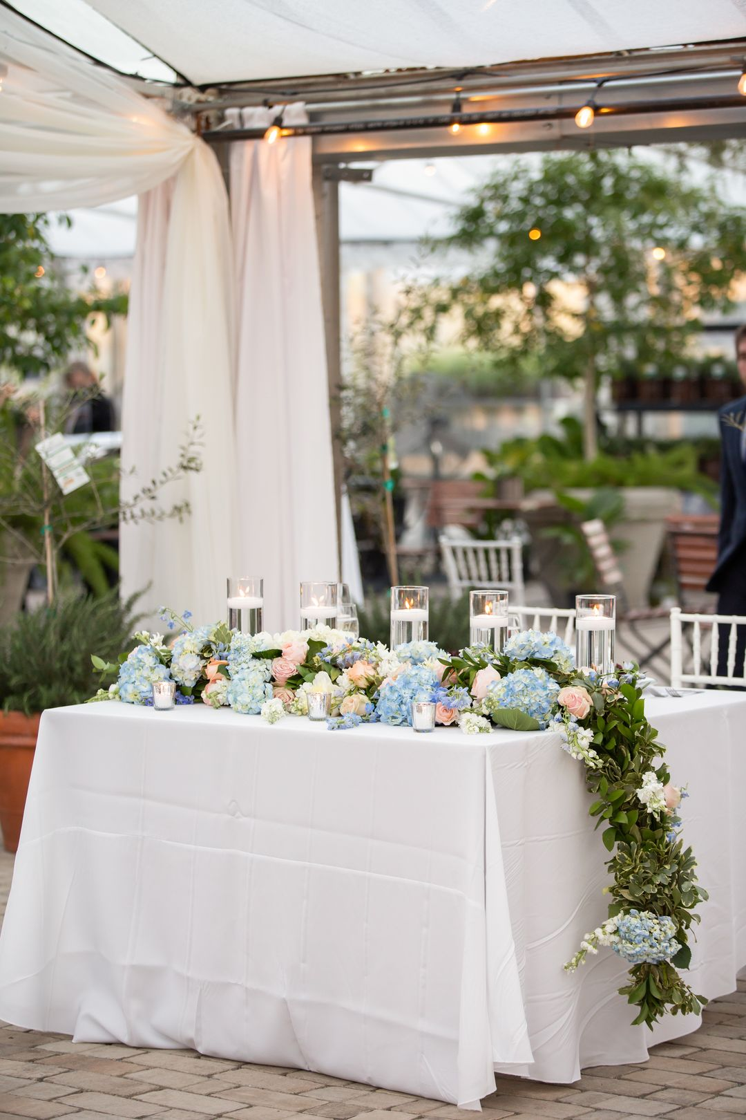 colorful sweetheart table